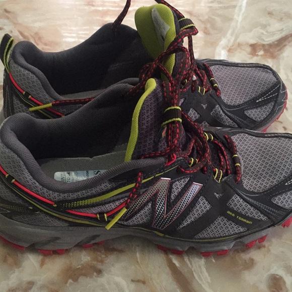 info pour 197c0 91cdf New Balance 610 v3 Women's Size 9.5 Trail Running